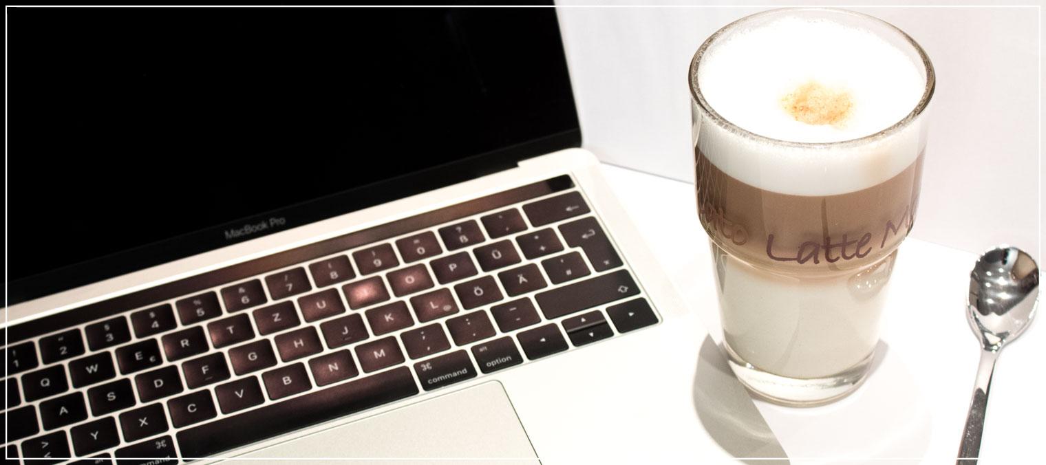 Mac Book Pro, Laptop