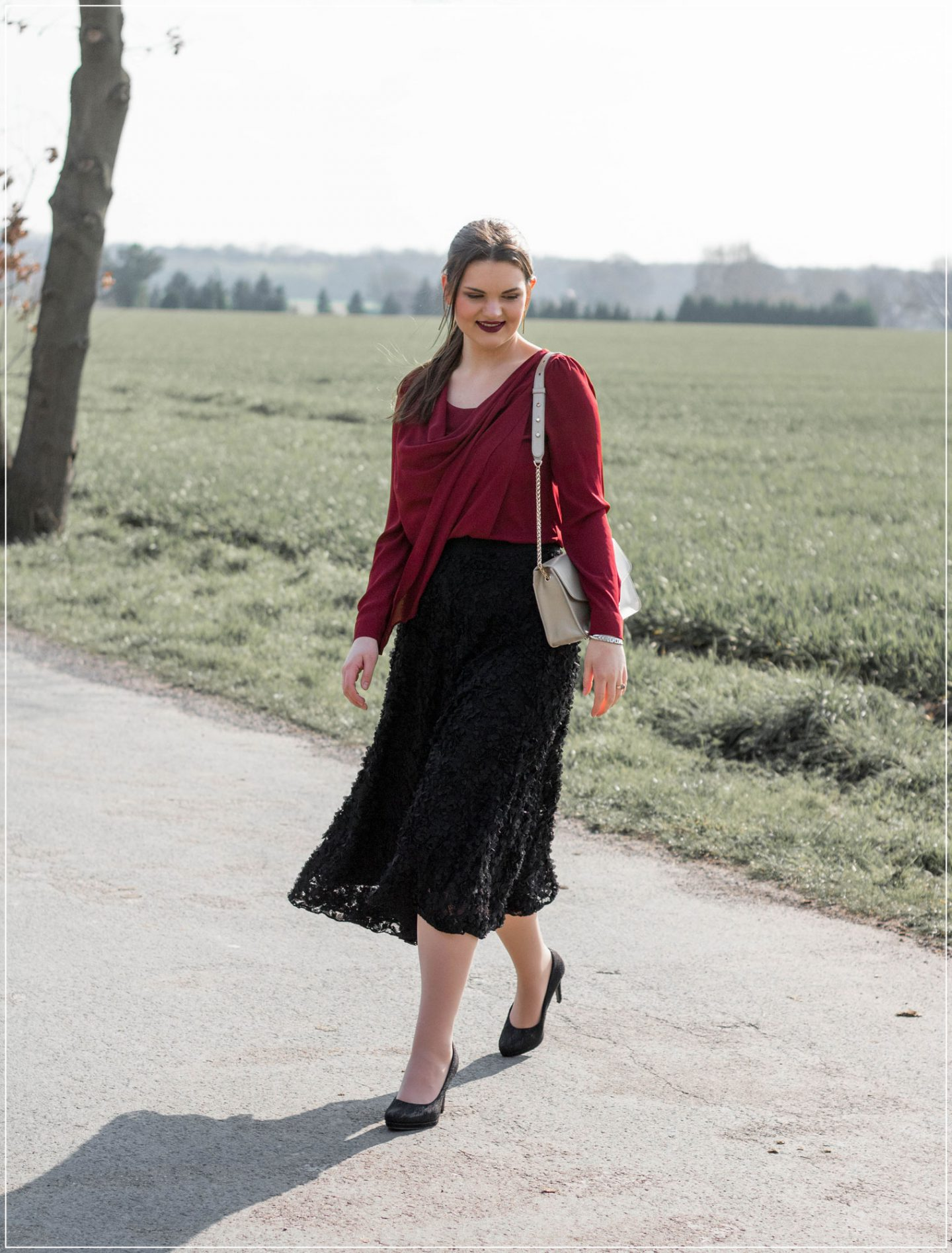3D-Spitze, Modetrend, Midi-Rock, Frühlingsoutfit, eleganter Style, Styleguide, Outfitinspiration, Modebloggerin, Fashionbloggerin, Modeblog, Ruhrgebiet