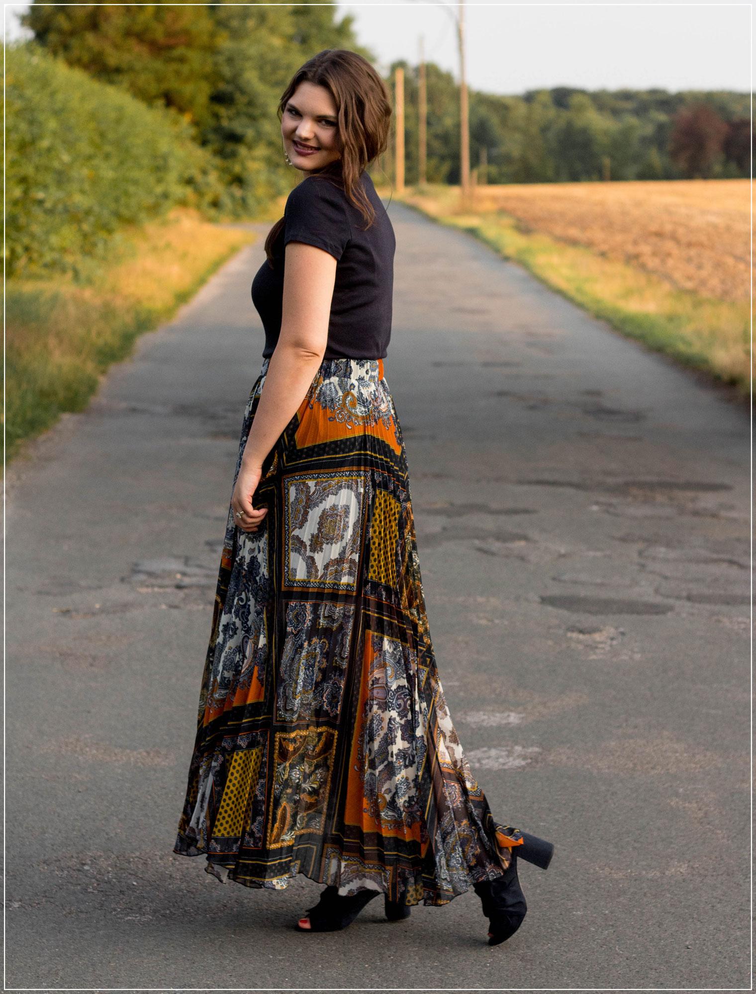 spätsommerliche Datenight, Outfit für Date, Spätsommer Look, Maxirock, Plisseerock, Modetrend, Styleguide, Outfitinspiration, Modebloggerin, Fashionbloggerin, Modeblog, Ruhrgebiet