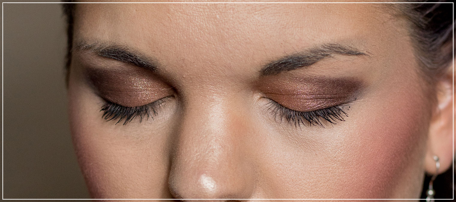 Detailansicht Augen-Make-Up mit der Born this way Palette von Too Faced