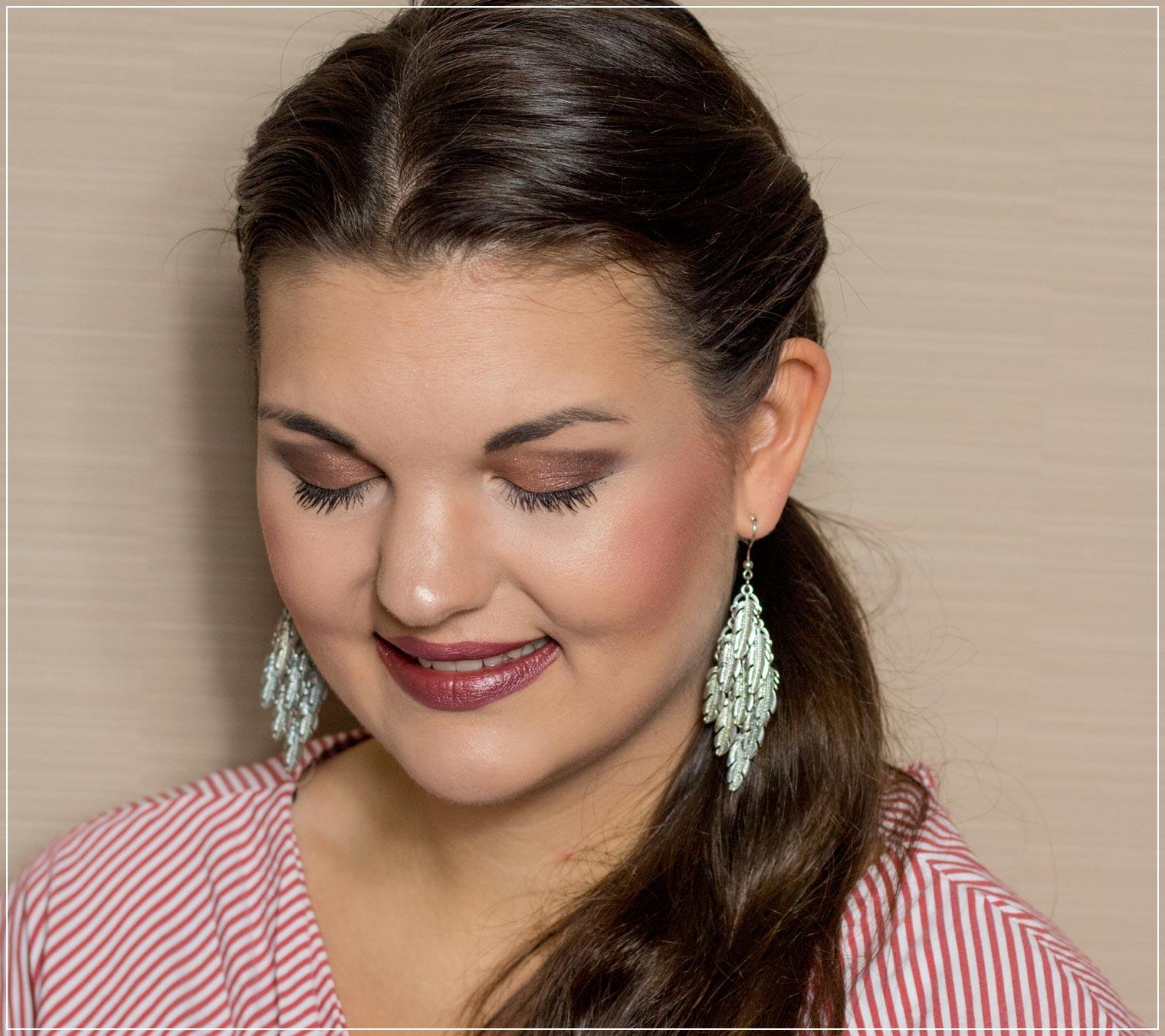 Augen-Make-Up mit der Born this way Lidschattenpalette von Too Faced