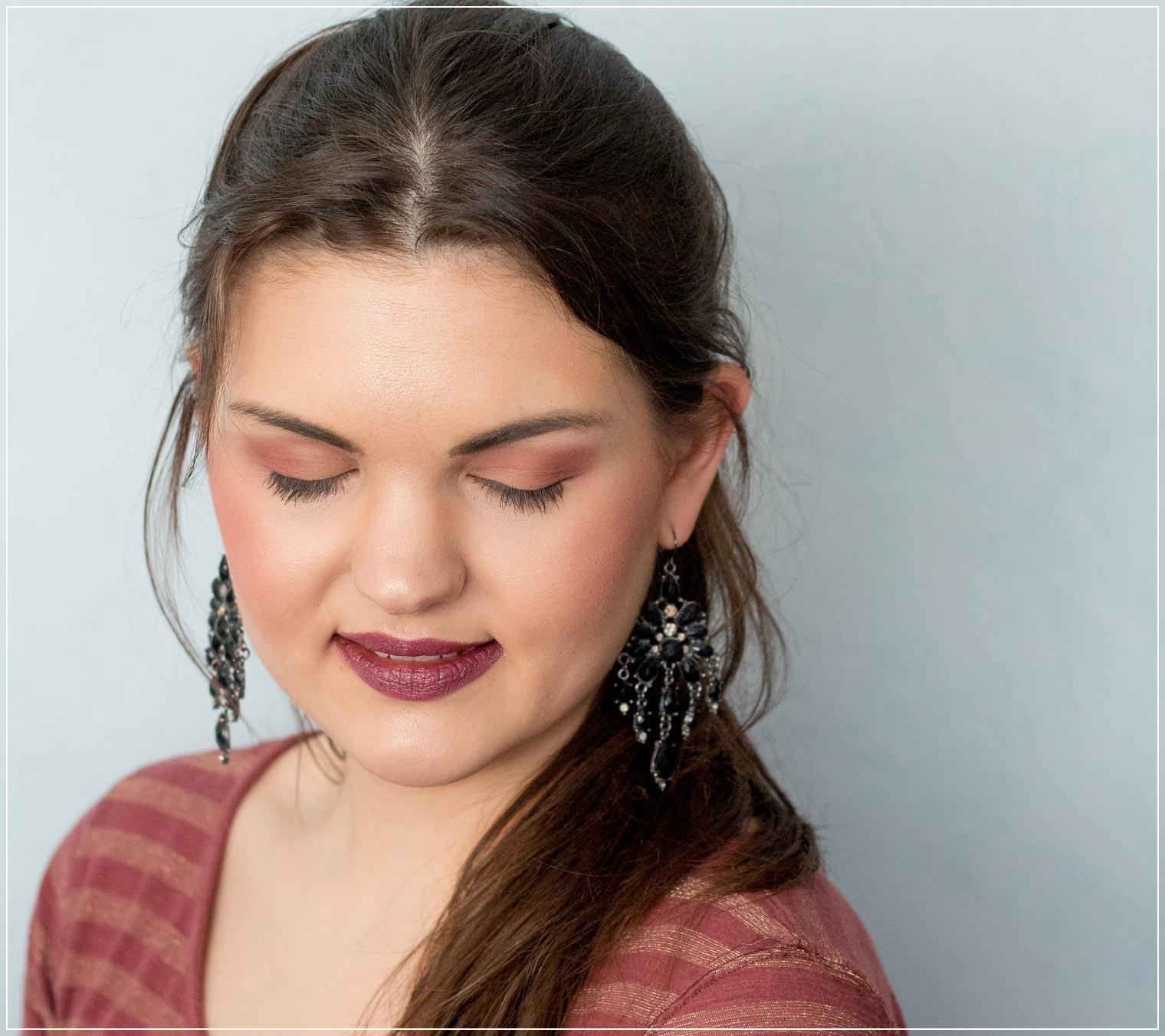 Augen-Make-Up mit Farben der Naked Cherry Lidschattenpalette