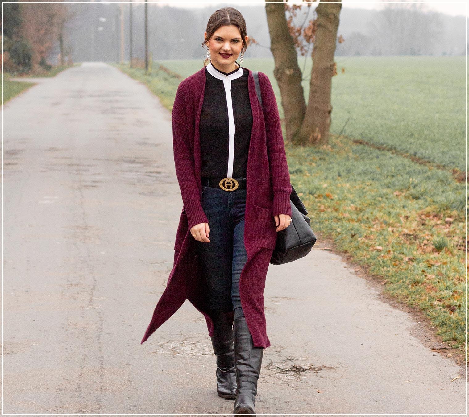 Der Strickmantel und die High Waist Jeans als Basic im Winter