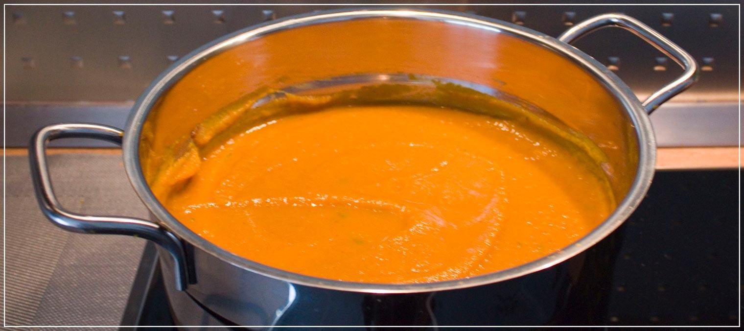 Rezept im Herbst Kuerbissuppe mit Garnelen