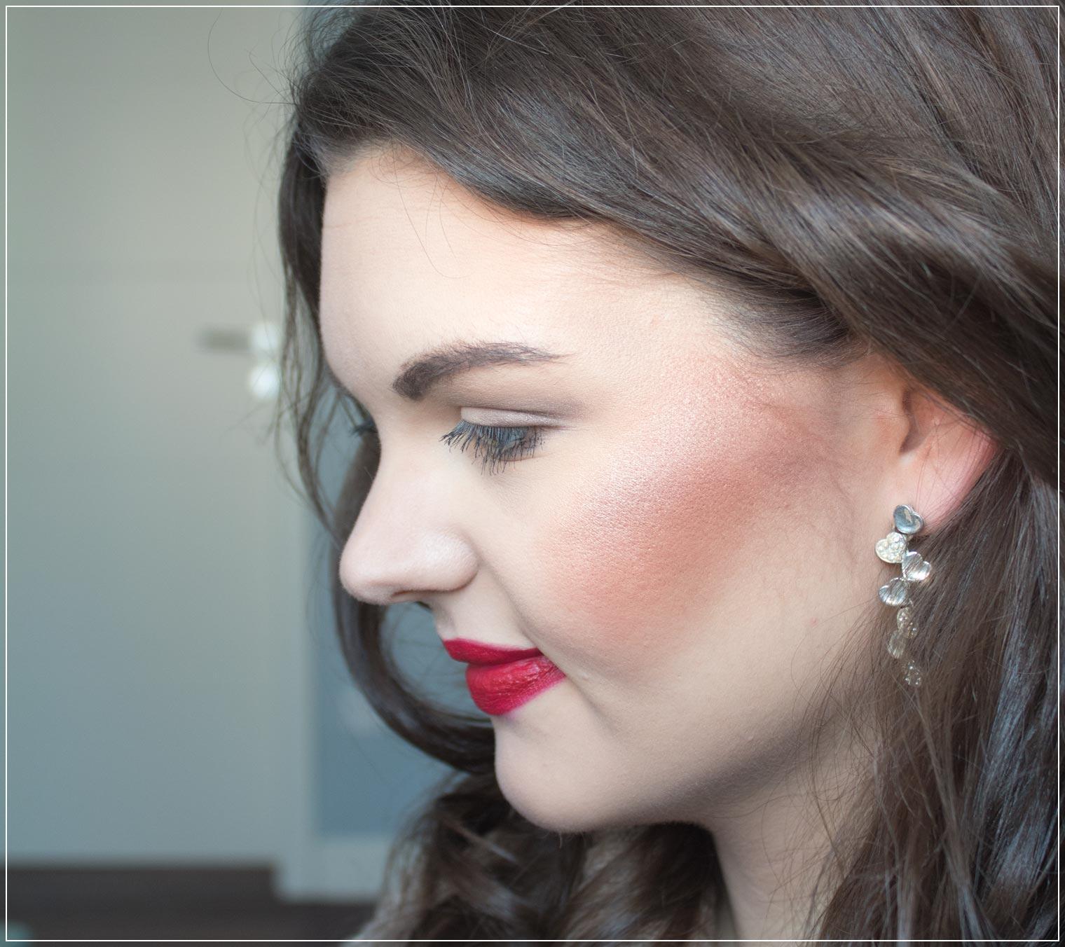Make-Up und Hairstyle Valentinstag Datenight