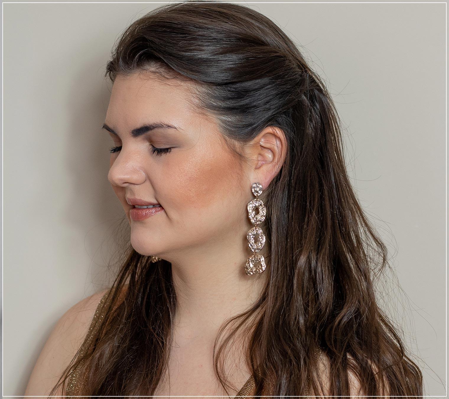 frisches Sommer-Make-Up aus Bronze und fünf weiteren Produkten